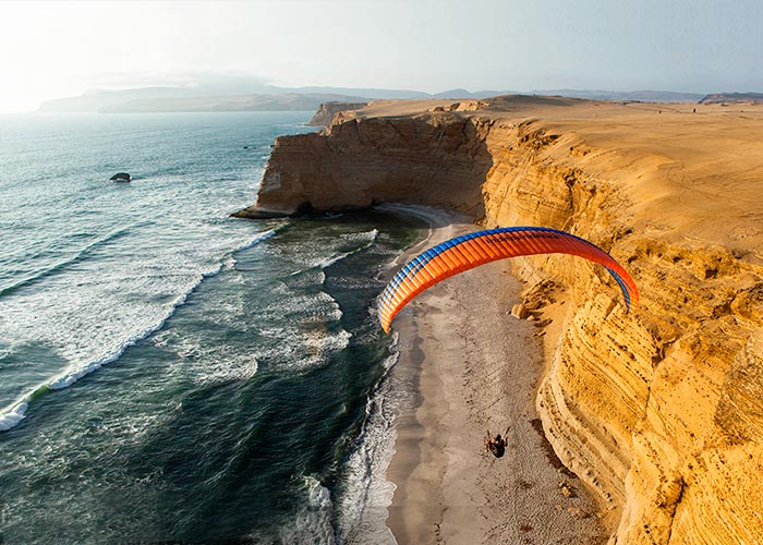 Paragliding in Paracas